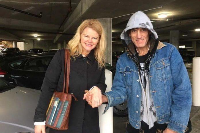 Homeless Man Returns Diamond Ring (Photo)