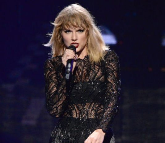 Taylor Swift Helps Pregnant Homeless Fan Buy a House