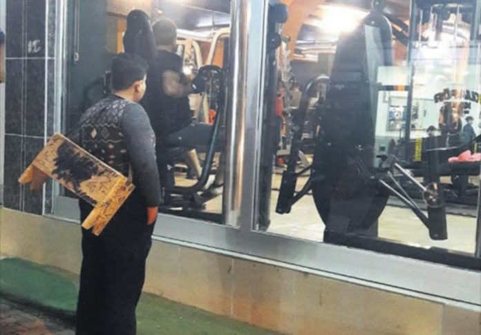 Syrian refugee gets lifetime gym membership after picture goes viral