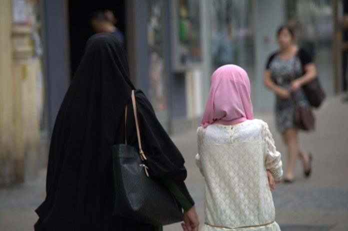 Toronto family apologizes for daughter's false hijab-cutting story