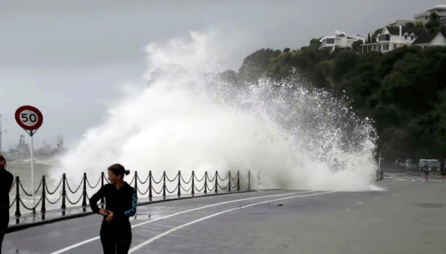 Cyclone Gita: New Zealand declare emergency as storm hits