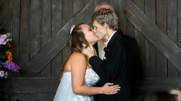Florida's Dustin Snyder battling cancer dies weeks after marrying girlfriend