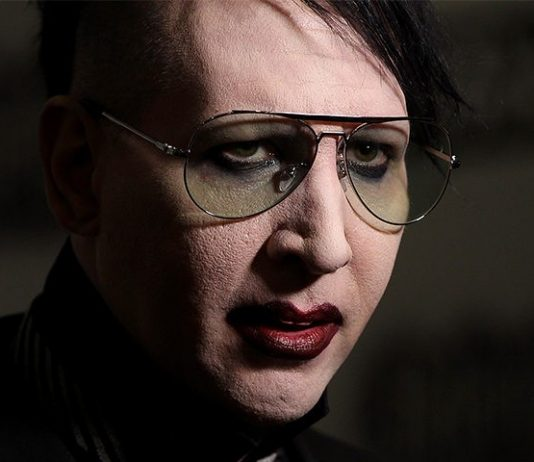 Marilyn Manson has total meltdown on stage (Watch)