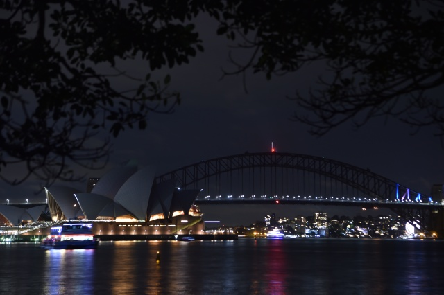 Earth Hour 2018: Cities around the world turn off lights for nature
