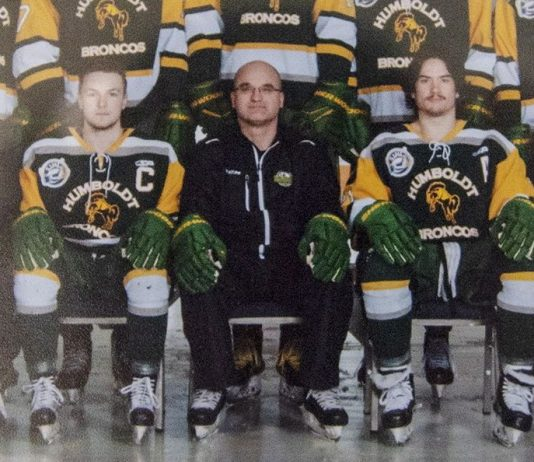 Humboldt Broncos coach, captain among 15 dead after bus crash