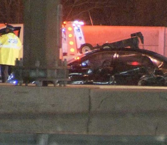 One dead in crash on Hwy. 401 in Pickering