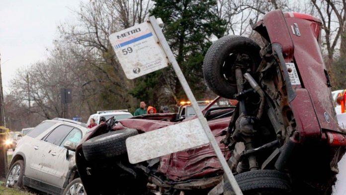 Egg-throwing prank ends in fatal crash suburban Houston, Texas