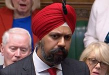 PMQs: Applause as MP demands apology for Boris Johnson burka remarks