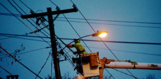 Wind storm outages: Over 100000 People Are Without Power