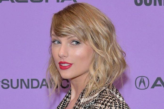 Taylor Swift sends 'massive hug' to Nikki Glaser, Report
