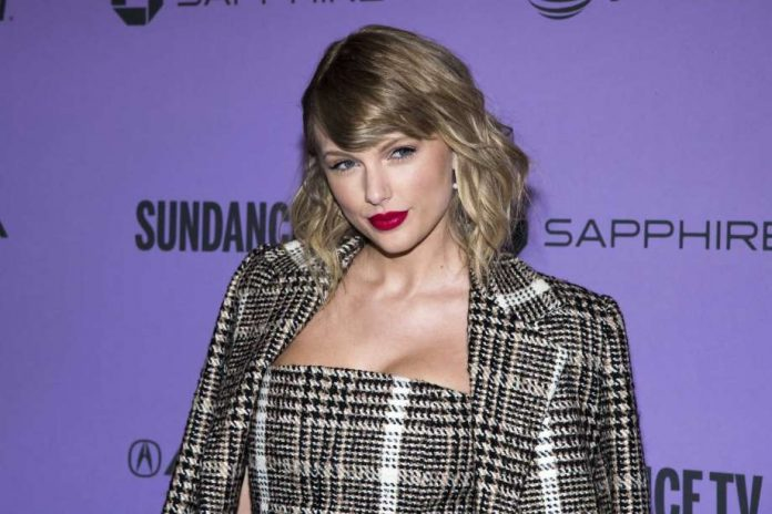 Taylor Swift's dad fights off burglar in his St. Pete townhouse