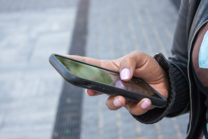 Wireless providers ordered to cut prices by 25%