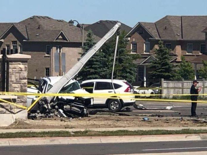 3 children, 1 woman killed in Brampton car crash