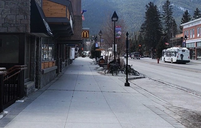 Banff residents worry U.S. tourists visiting town, Report