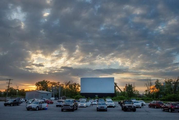 Coronavirus Canada updates: Drive-ins offer Quebecers rare trip to movies during COVID-19 pandemic