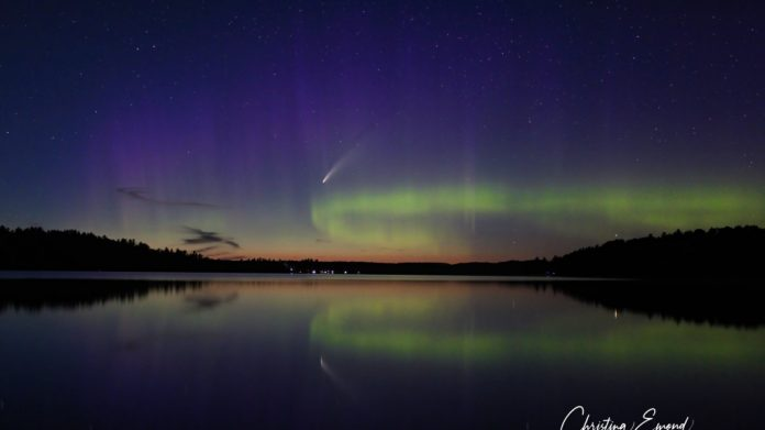 Christina Emond: photographer captures two simultaneous celestial events