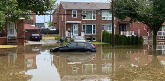 Flash flooding, hydro outages reported as severe weather hits Toronto (Reports)