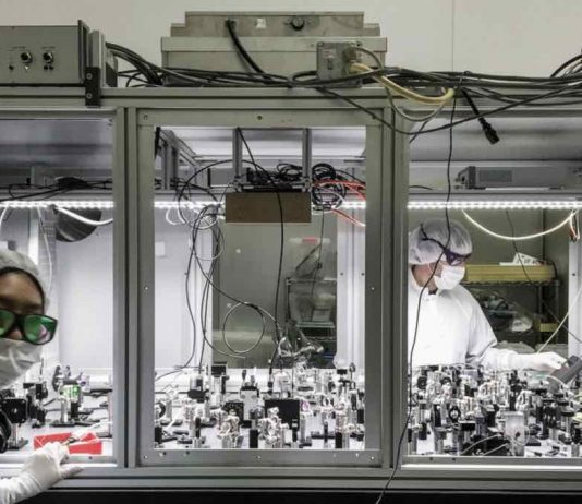 Study: Tiny quantum fluctuations observed moving 40-kg mirror