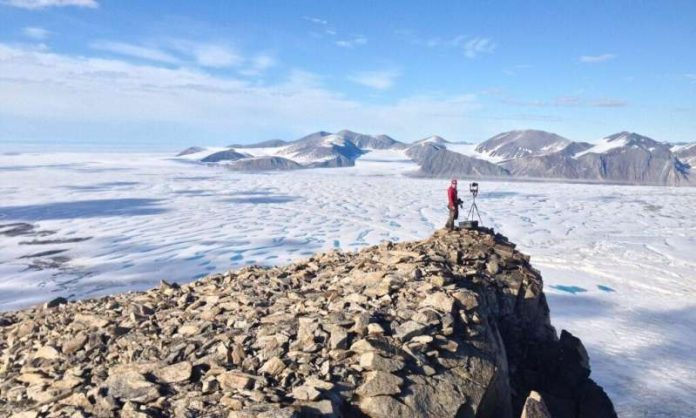 Canada's last intact Arctic ice shelf has collapsed, Report