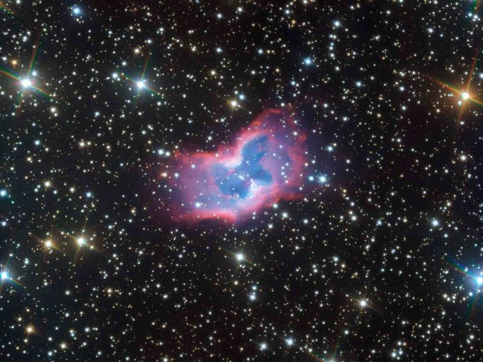 ESO Telescope captured stunning space butterfly (Picture)