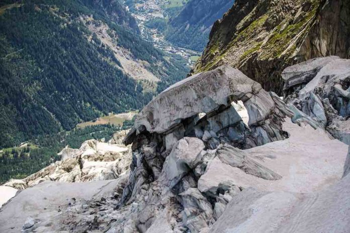 Mont Blanc: Homes evacuated amid fears glacier might collapse, Report