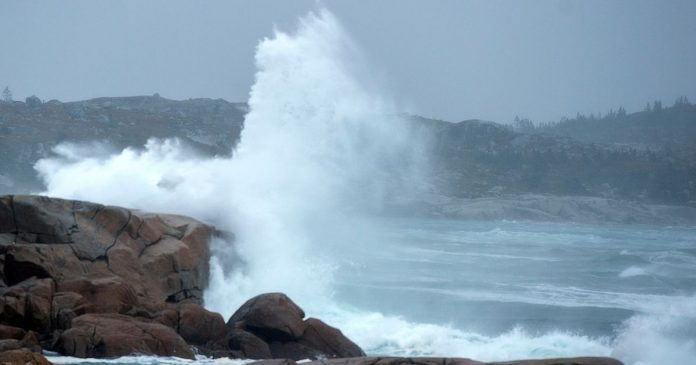 Teddy makes landfall in eastern Nova Scotia, Report