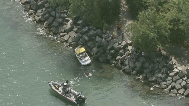 Woodbine Beach: One dead, six injured after boat crashes into rocks