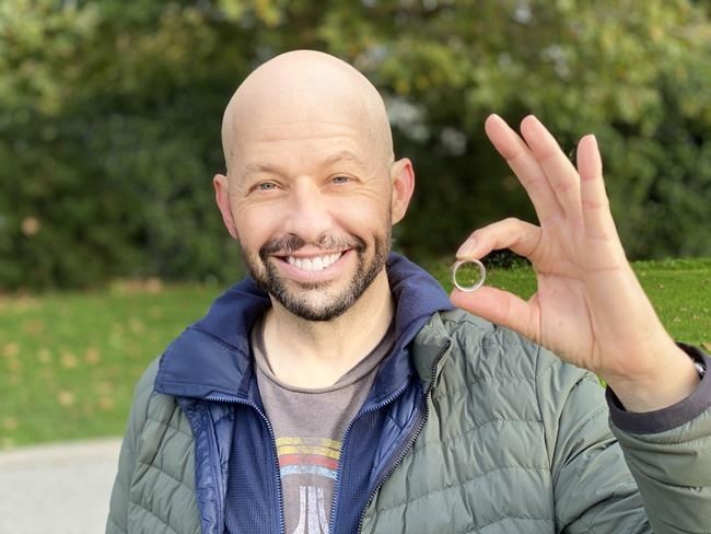 Actor Jon Cryer finds lost wedding ring thanks to Vancouver jewelry sleuth, Report