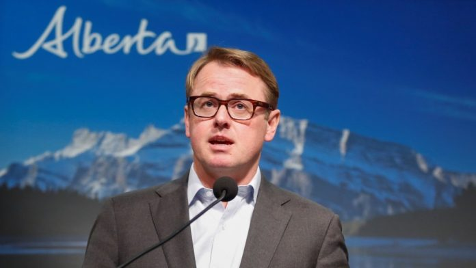 Alberta Health Services to cut up to 11K jobs, Report