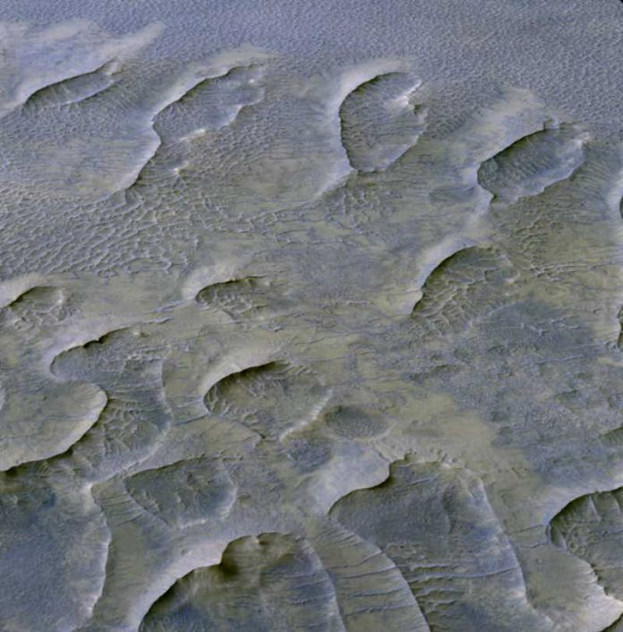 Study: Billion-year-old Martian dunes reveal planet's history