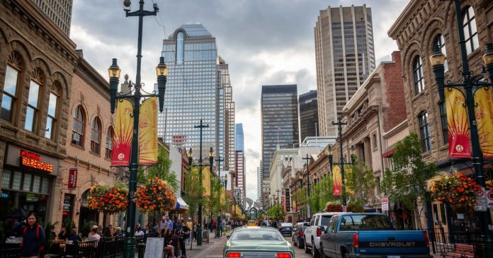 Coronavirus Canada Updates: Bars penalized for breaking COVID rules
