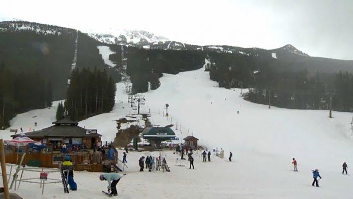 Coronavirus Canada Updates: Lake Louise Ski Resort among latest COVID-19 outbreaks in Calgary zone