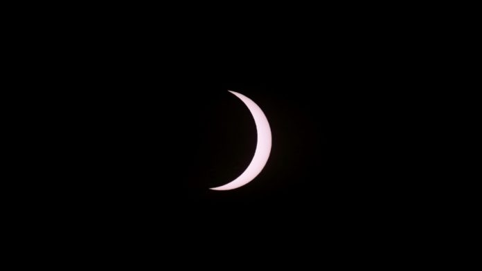 Daytime darkness: Skywatchers enjoy spectacular celestial event in southern Chile