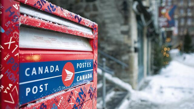 Canada Post employee at outbreak-ridden Mississauga facility dies of COVID-19