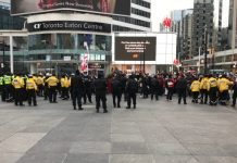 Coronavirus Canada Updates: Police make arrests, disperse crowd of anti-lockdown protesters in downtown Toronto