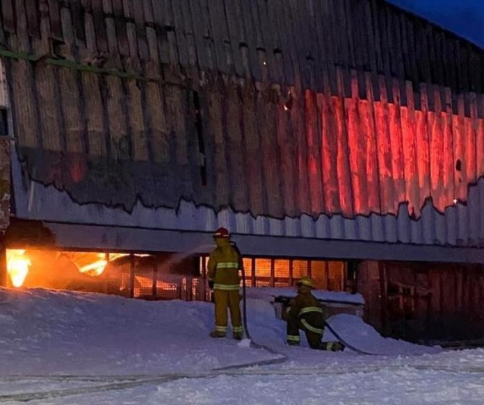 Nunavut community under state of emergency after store fire, Report