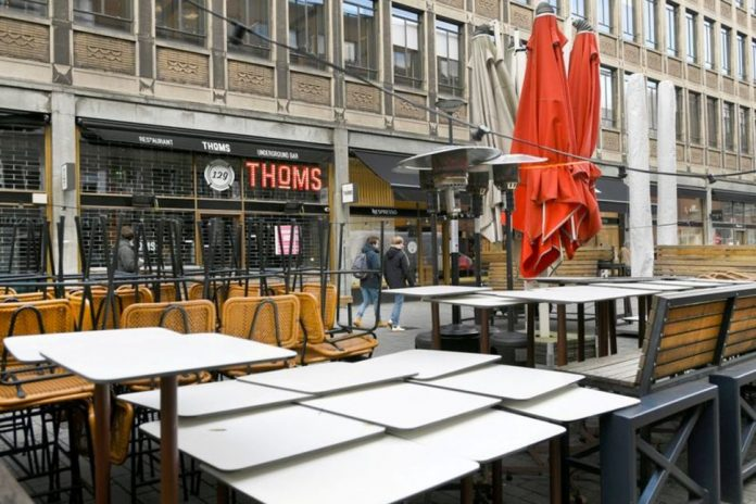 The Netherlands will ban many flights and impose a nationwide curfew, Report