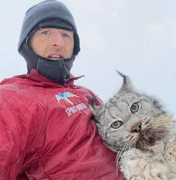 Farmer nabs lynx bare-handed — then gives it a lecture (Video)