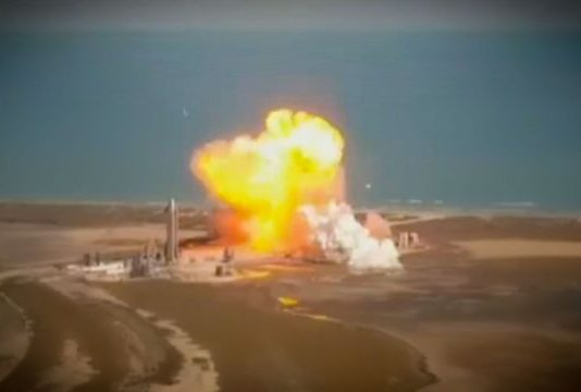 Starship rocket SpaceX hopes to send to Mars explodes (Video)