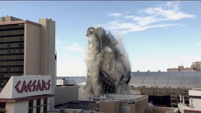Trump's former Atlantic City casino imploded in seconds (Video)