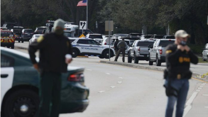 Two FBI Agents Fatally Shot, three Others Injured While Serving Warrant in Sunrise