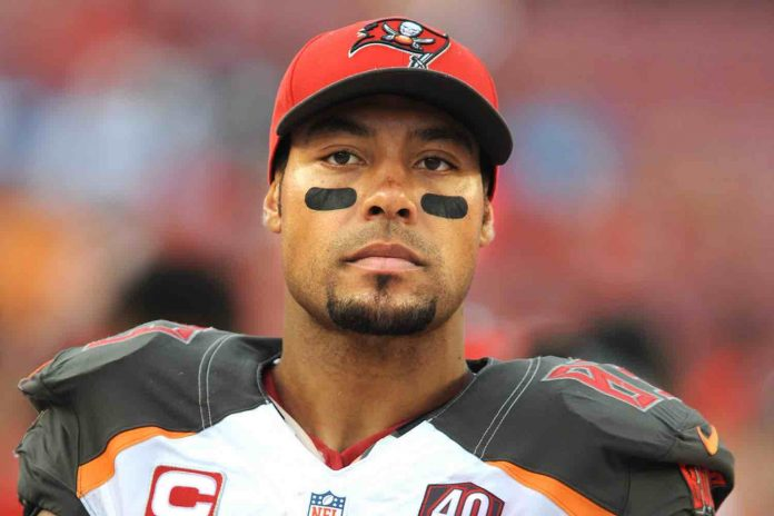 Vincent Jackson cause of death: Ex-NFL WR found dead in Florida hotel room
