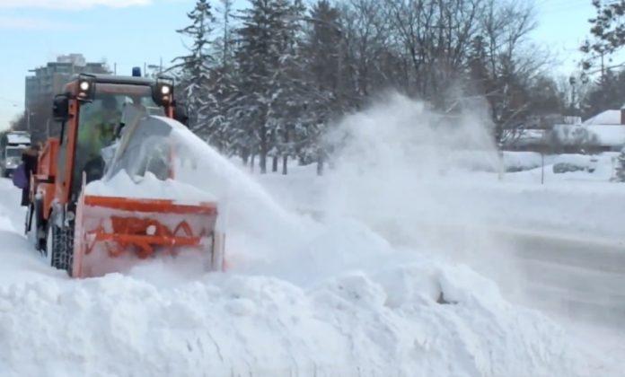 Weather: Ontario wakes up to major winter storm, widespread school closures