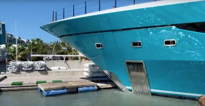 $118 million superyacht crashes into Caribbean pier (Video)