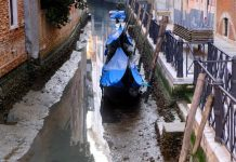 Boats stranded as Venice's famous canals dry up, Report