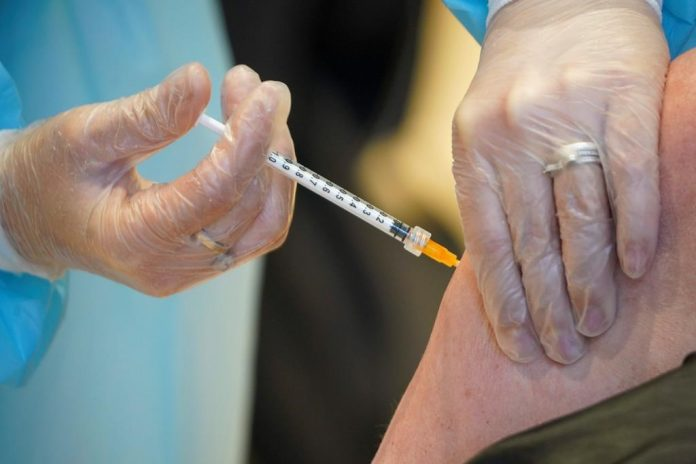 Coronavirus: How Canada approved five vaccines for COVID-19 in under a year