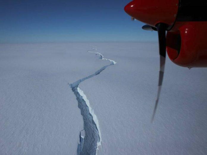 How big was the iceberg that broke off Antarctica? (Video)