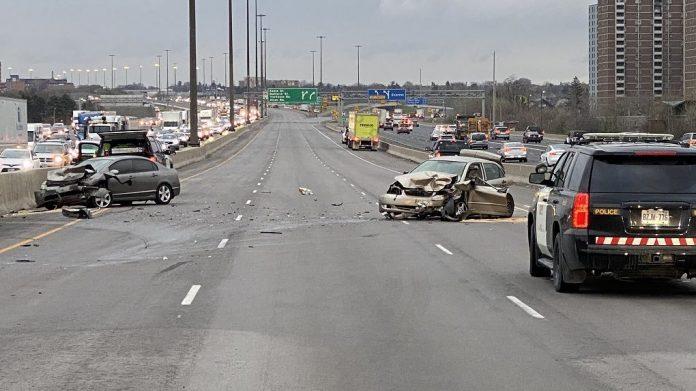 78-year-old woman killed in multi-vehicle crash on Hwy. 401 near Hwy. 400