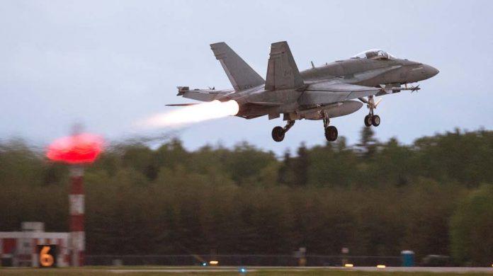 Coronavirus: Canada on track to pick new fighter jet next year despite COVID-19