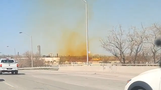 Highway 400 reopens after incident at fertilizer plant sends toxic fumes into air